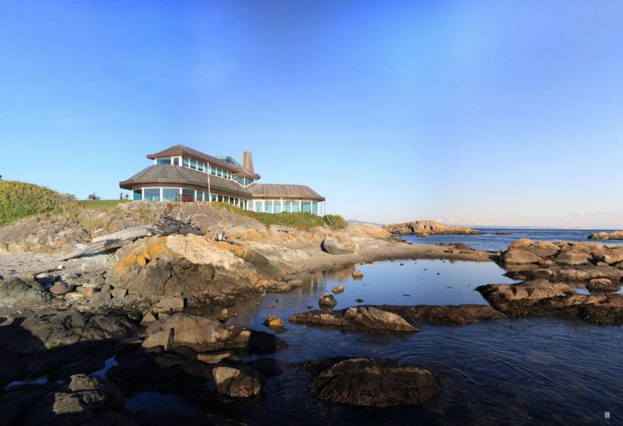 Роскошный особняк на берегу моря в Виктории, Канада