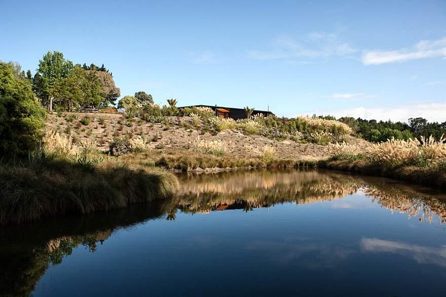 Загородный дом среди водно-болотных угодий в Новой Зеландии