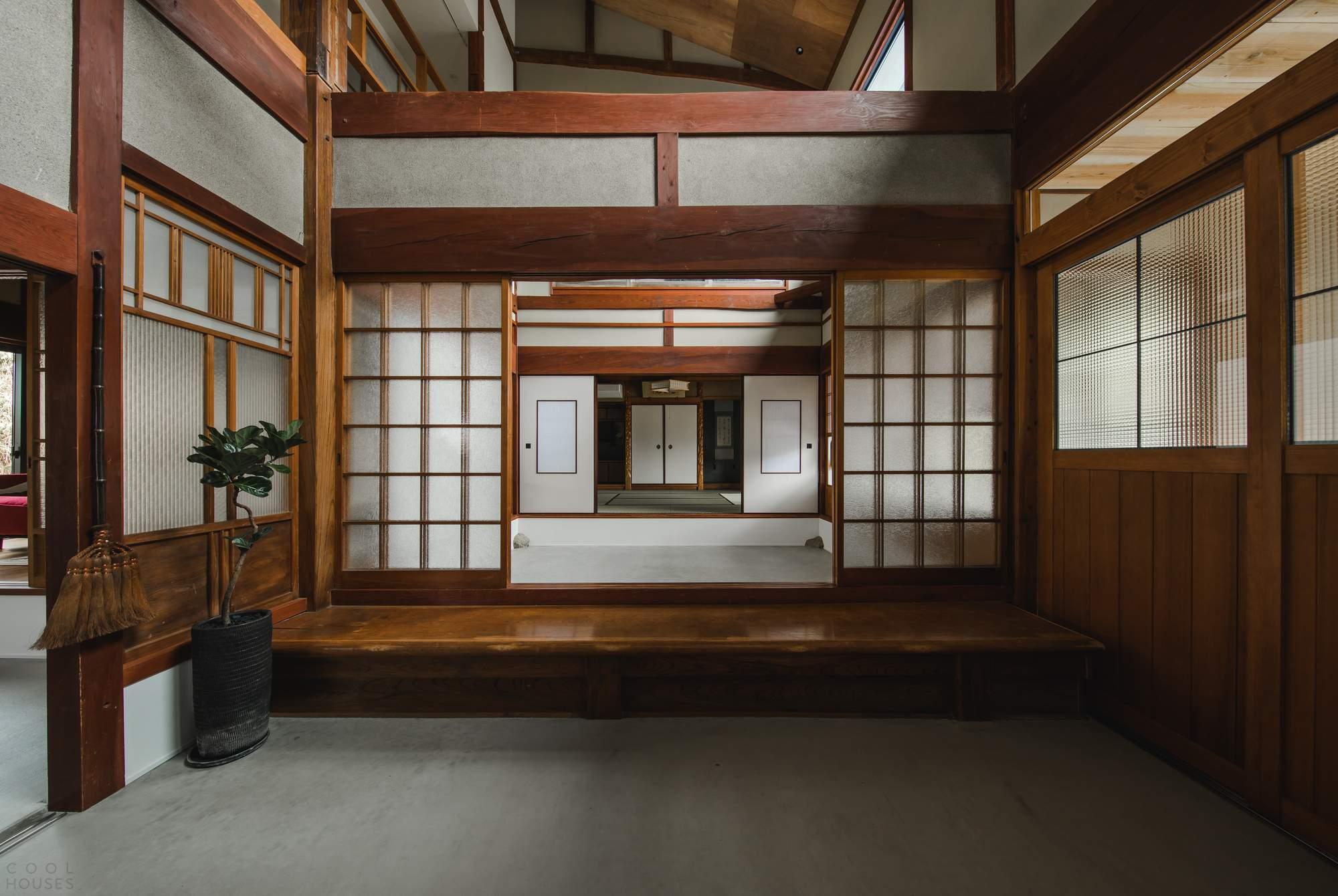 Реконструкция дома Shimotoyama в Японии