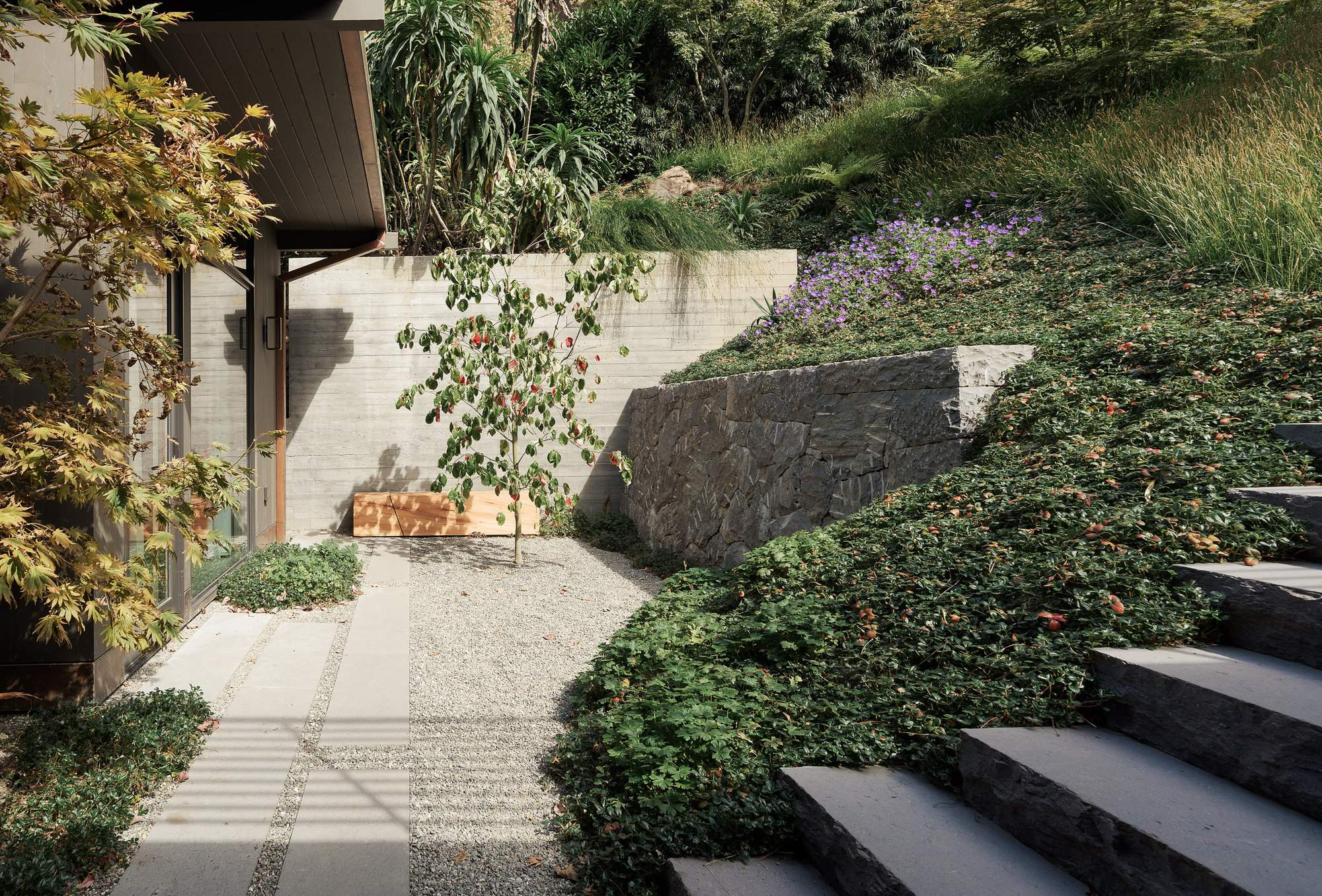 Частная резиденция в окружении многоуровневого сада, США