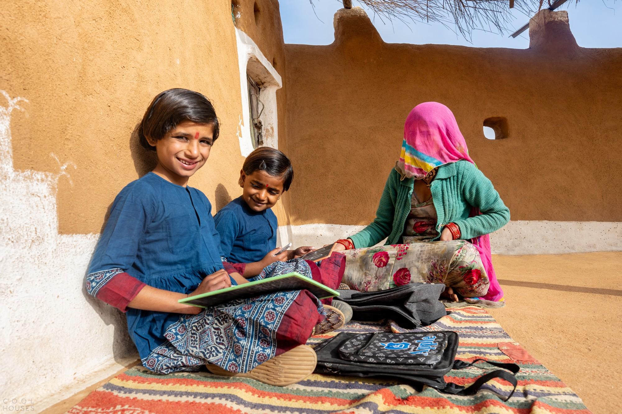 Школа для девочек из песчаника в индийской пустыне Тар