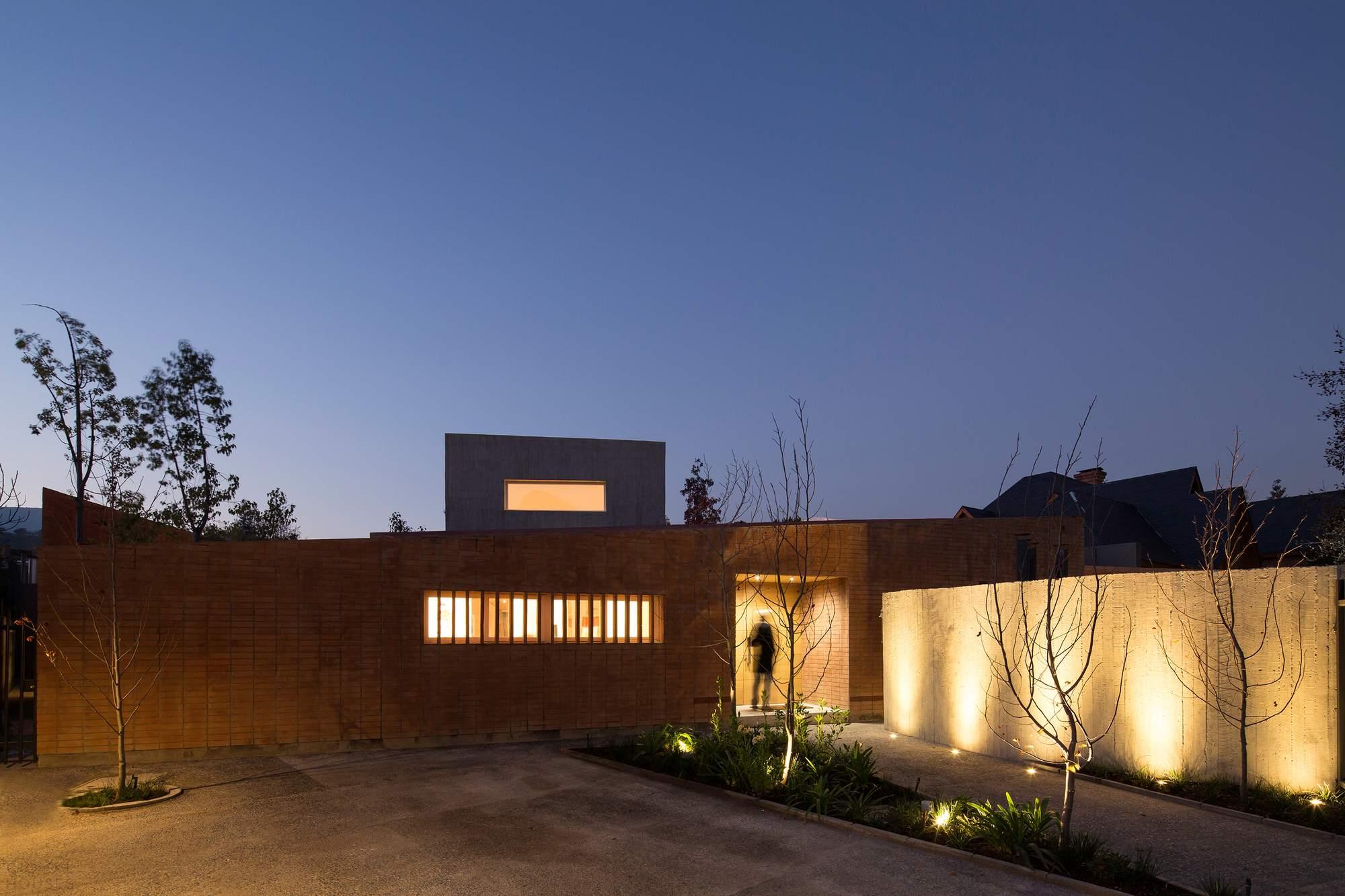 Дом с внутренними двориками, Чили