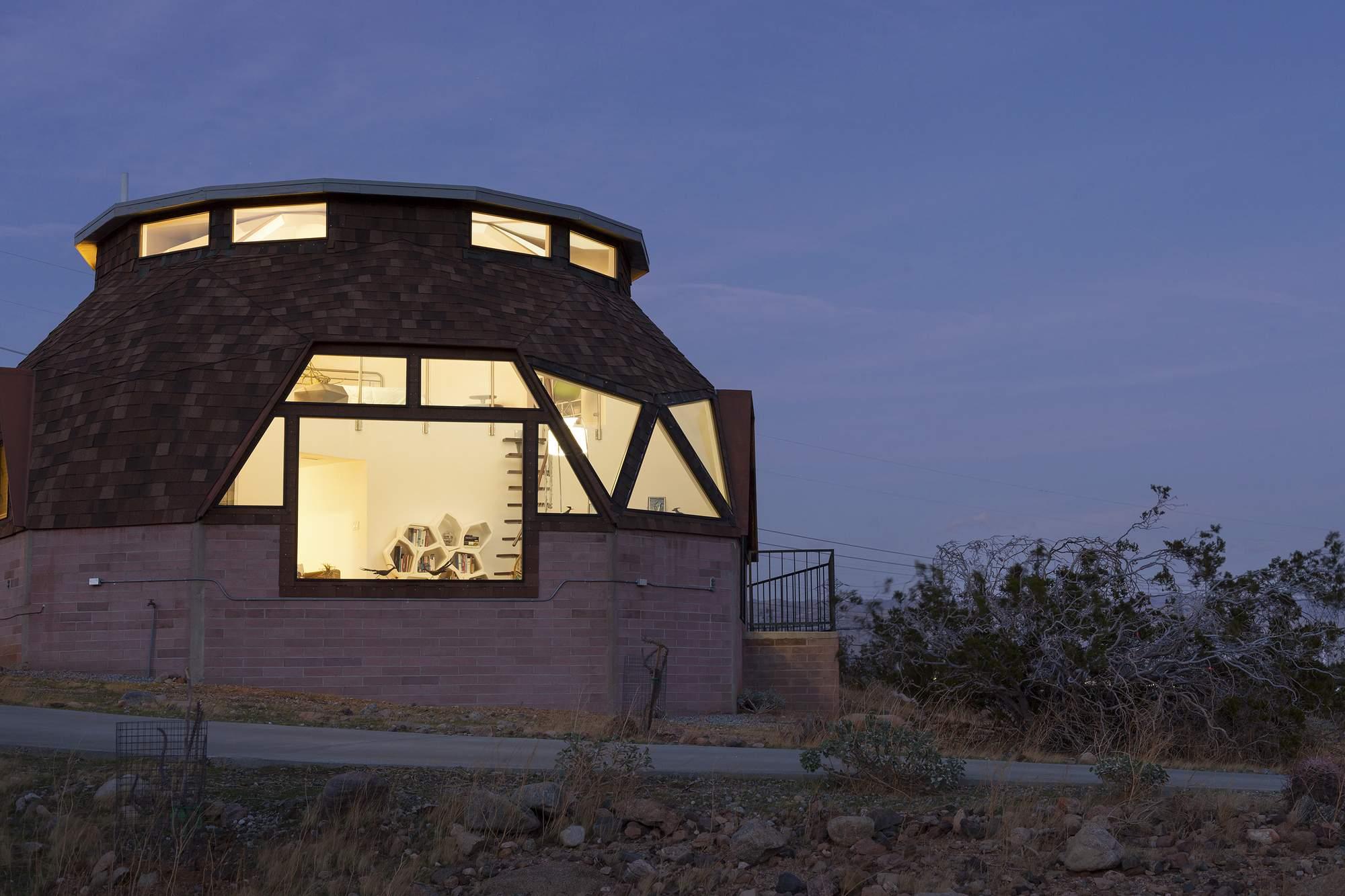 Дом-купол в долине Коачелья, США