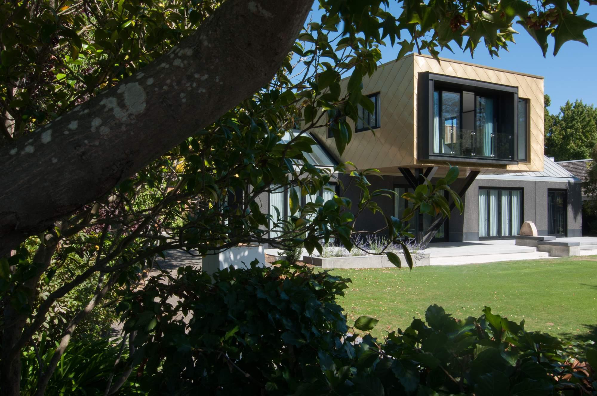 Современный дом с галереей на Южном острове Новой Зеландии