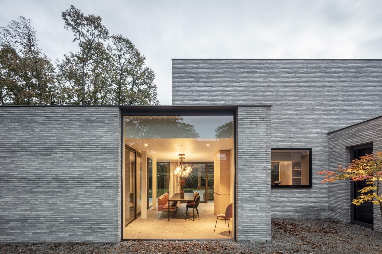 Семейная резиденция с частным медицинским кабинетом, Бельгия