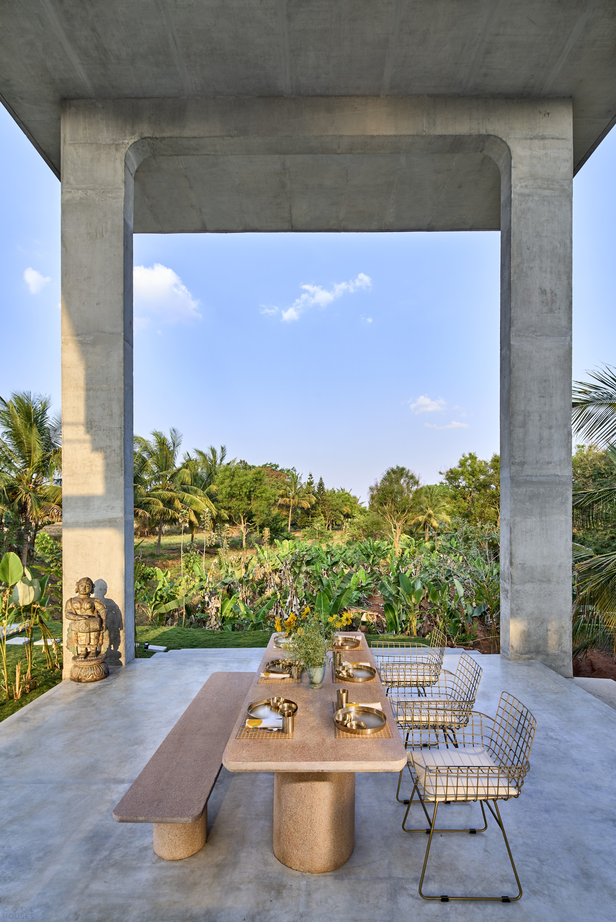 Загородный дом-курорт с многофункциональным павильоном