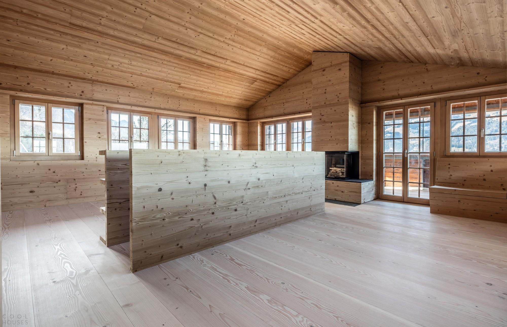 Минималистичное шале в швейцарском горнолыжном курорте