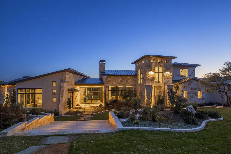Элитный загородный дом для большой семьи