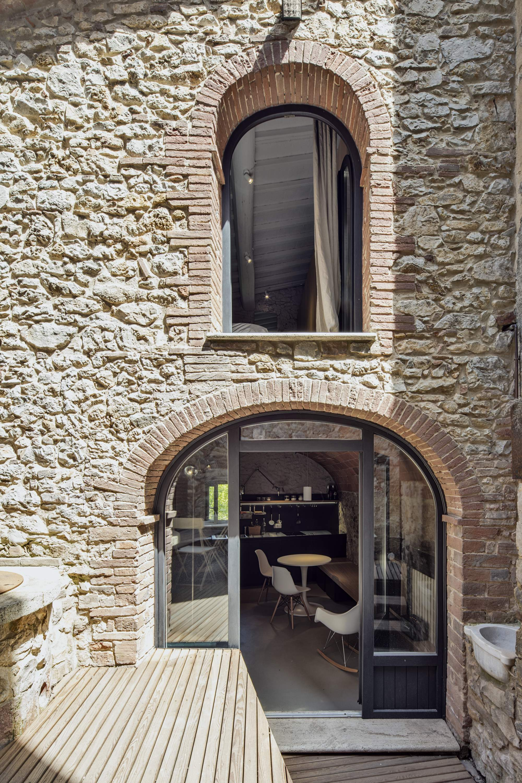 Реконструкция квартиры в старинном каменном доме в Италии