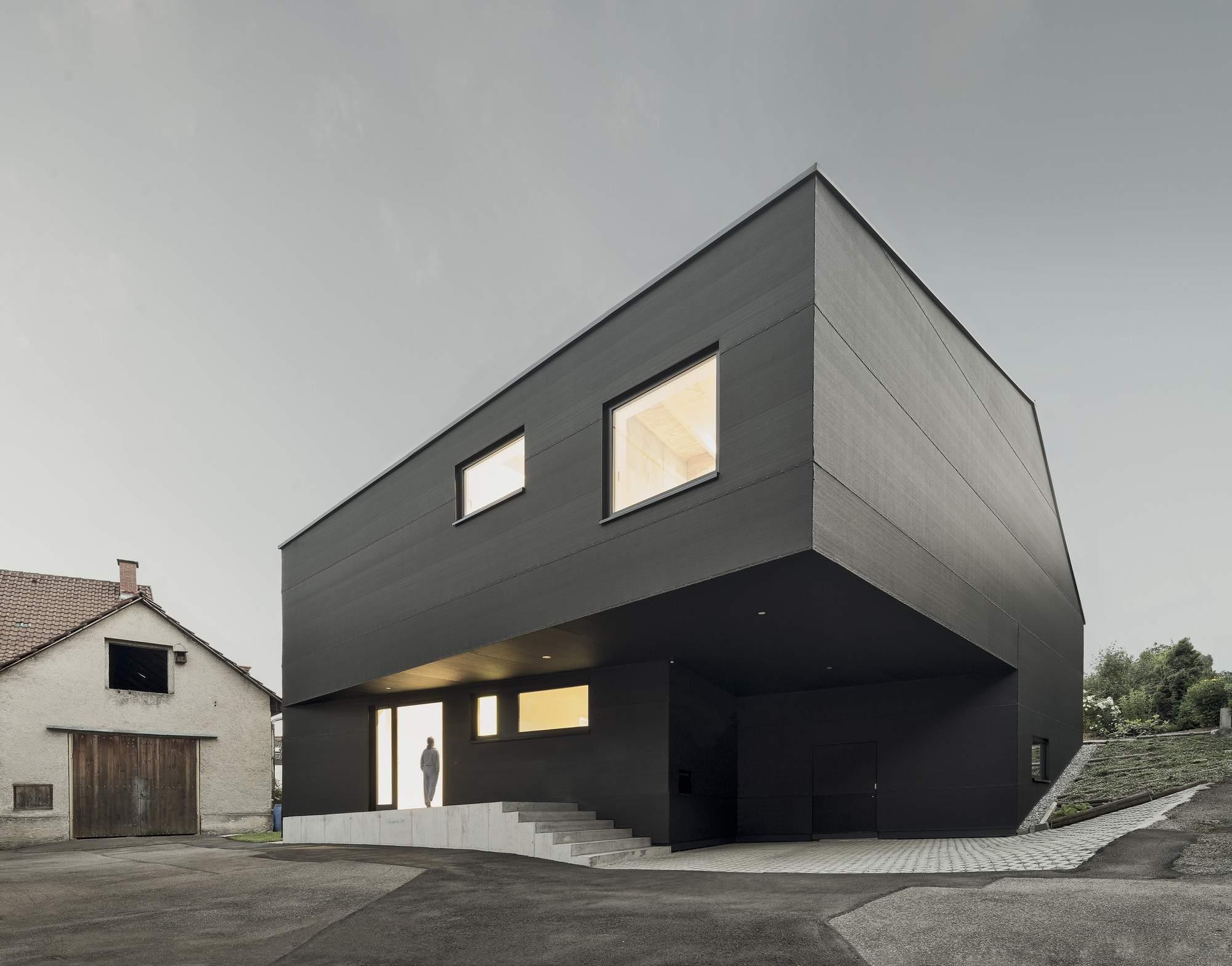 Современный дом в черных тонах, Германия
