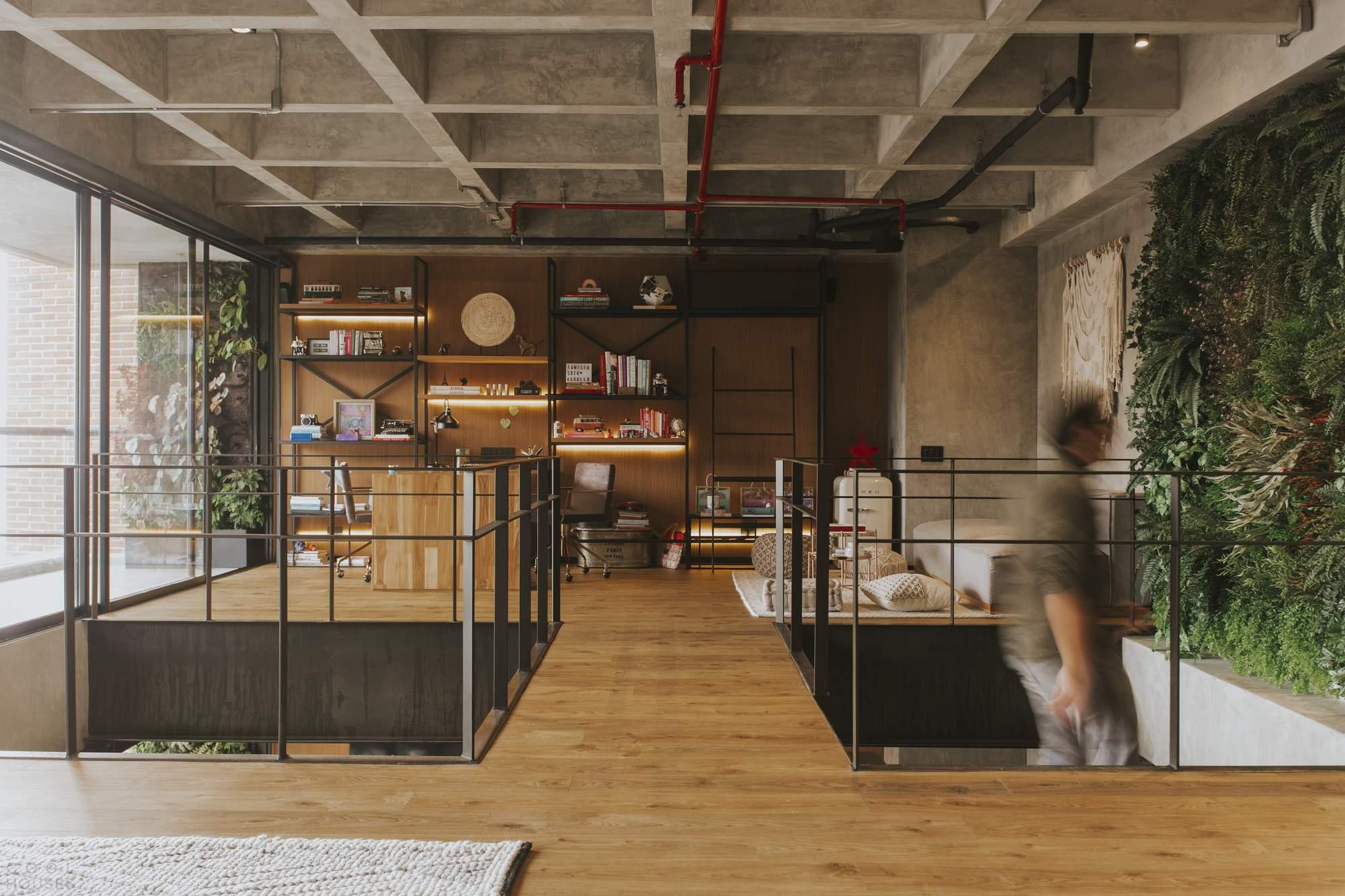 Двухэтажная квартира с ощущением непрерывного пространства, Колумбия