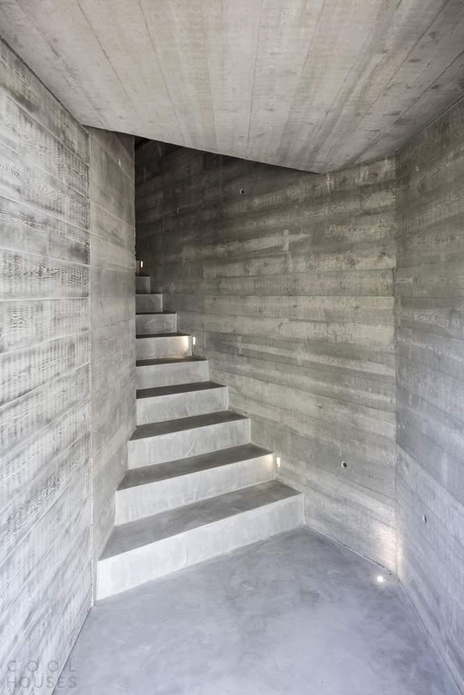 Гостевой павильон – кубоид с решетчатым фасадом, Испания