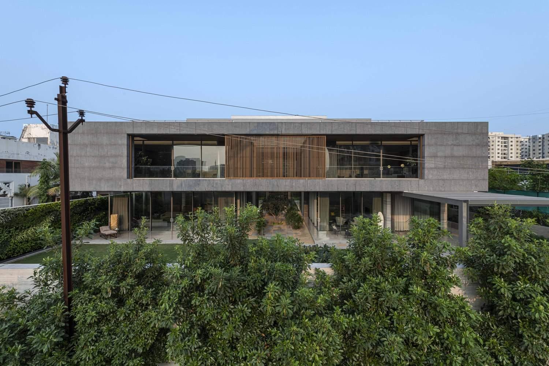 Идеальный семейный дом с просторными интерьерами, Индия