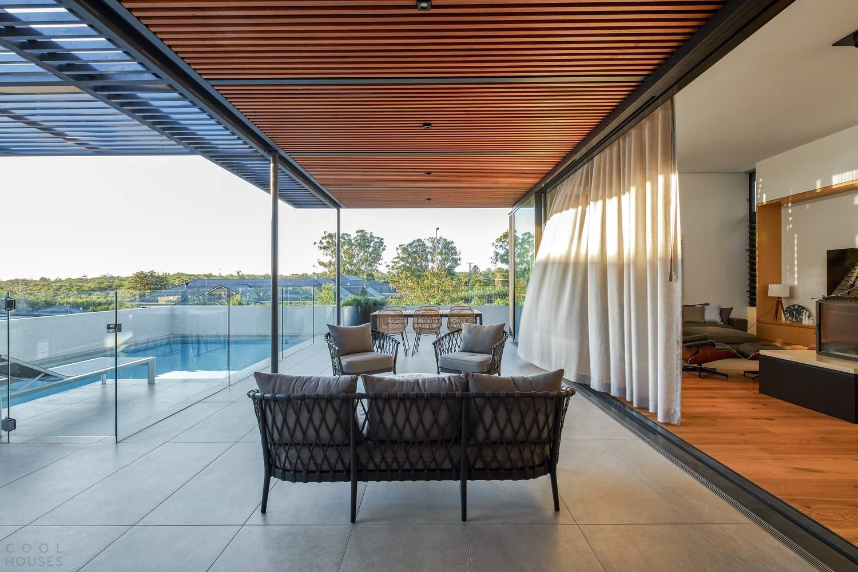 Современный дом с интересной богатой фактурой, Австралия