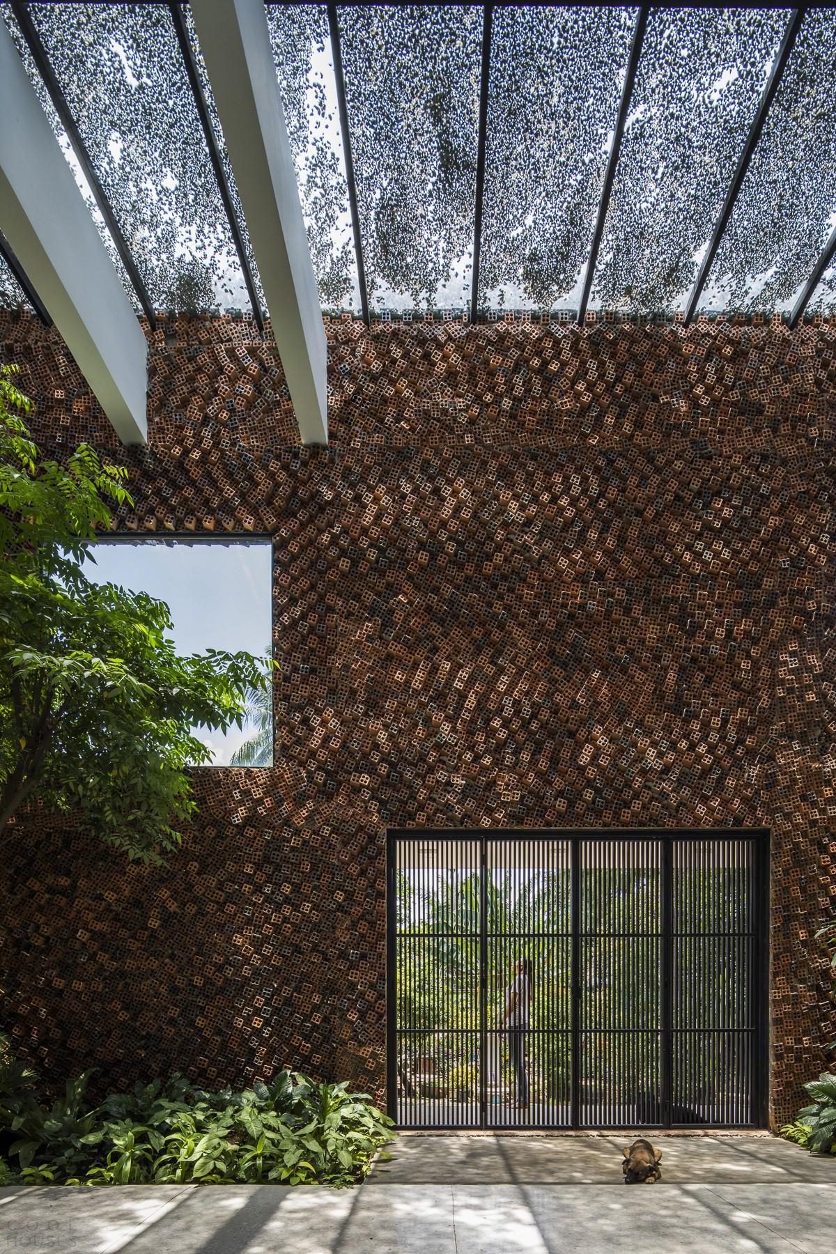 Дом из дышащих кирпичных стен
