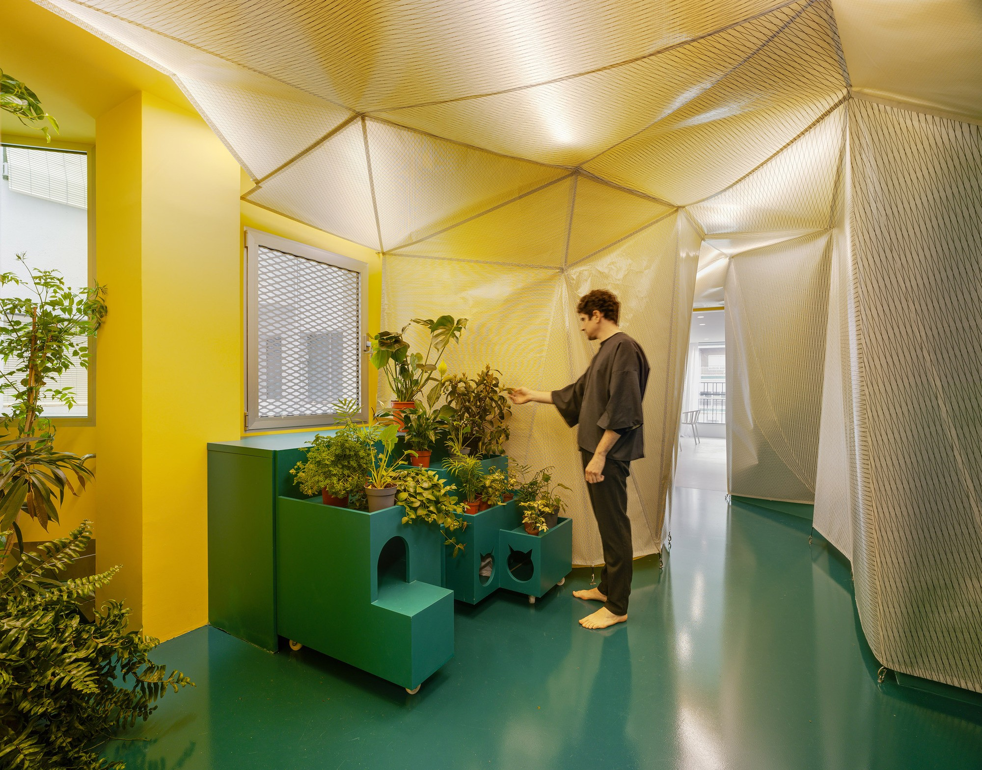 Современная квартира с открытыми трансформируемыми пространствами