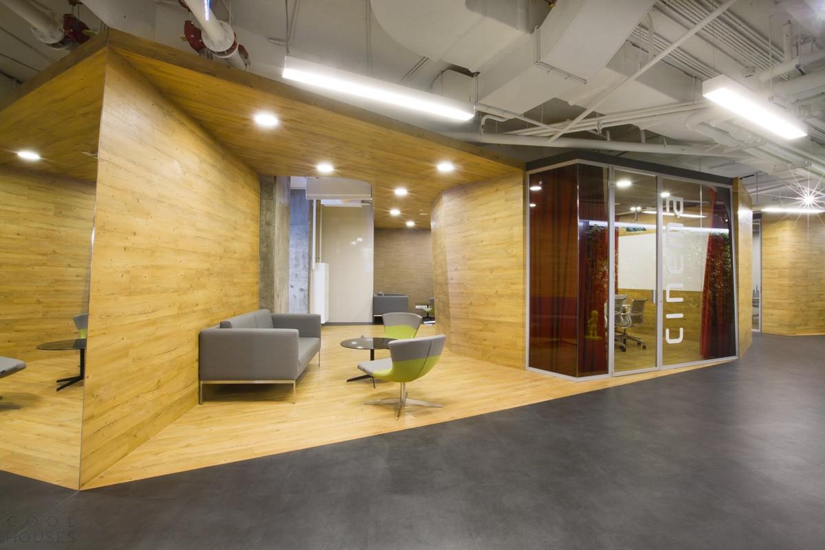 Интерьер московского офиса компании Badoo