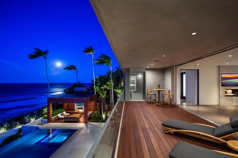 Вилла с креативным дизайном на берегу Тихого океана