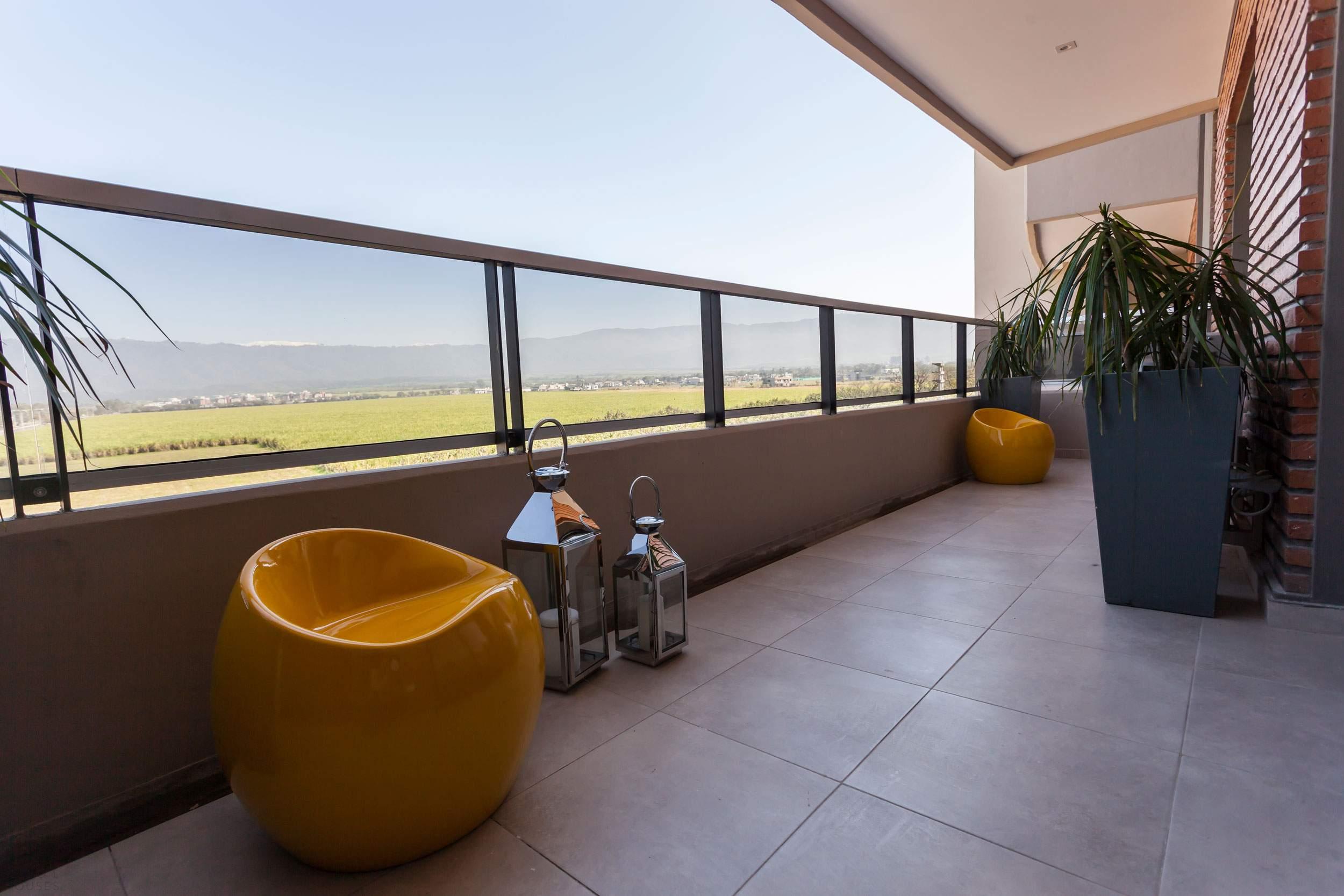 Современная квартира в нейтральной цветовой палитре в Аргентине