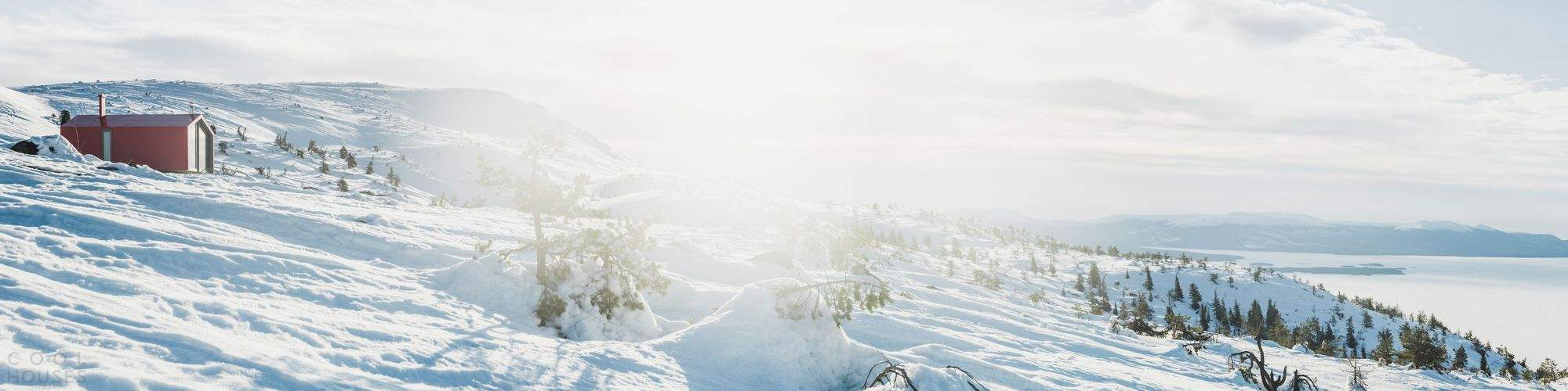 Туристический приют с видом на Белое море, Россия