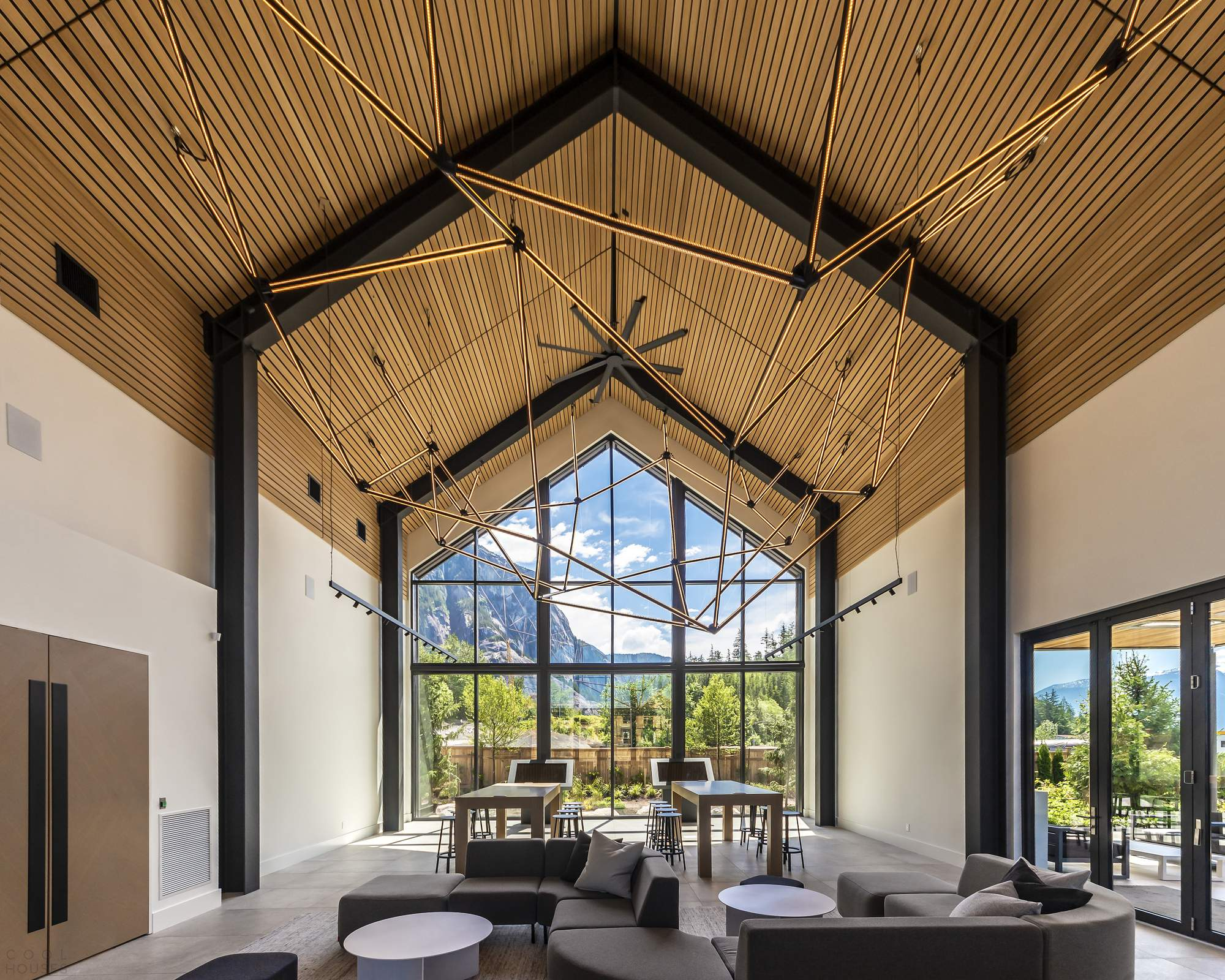 Центр открытий «Море и небо» с впечатляющим дизайном, Канада