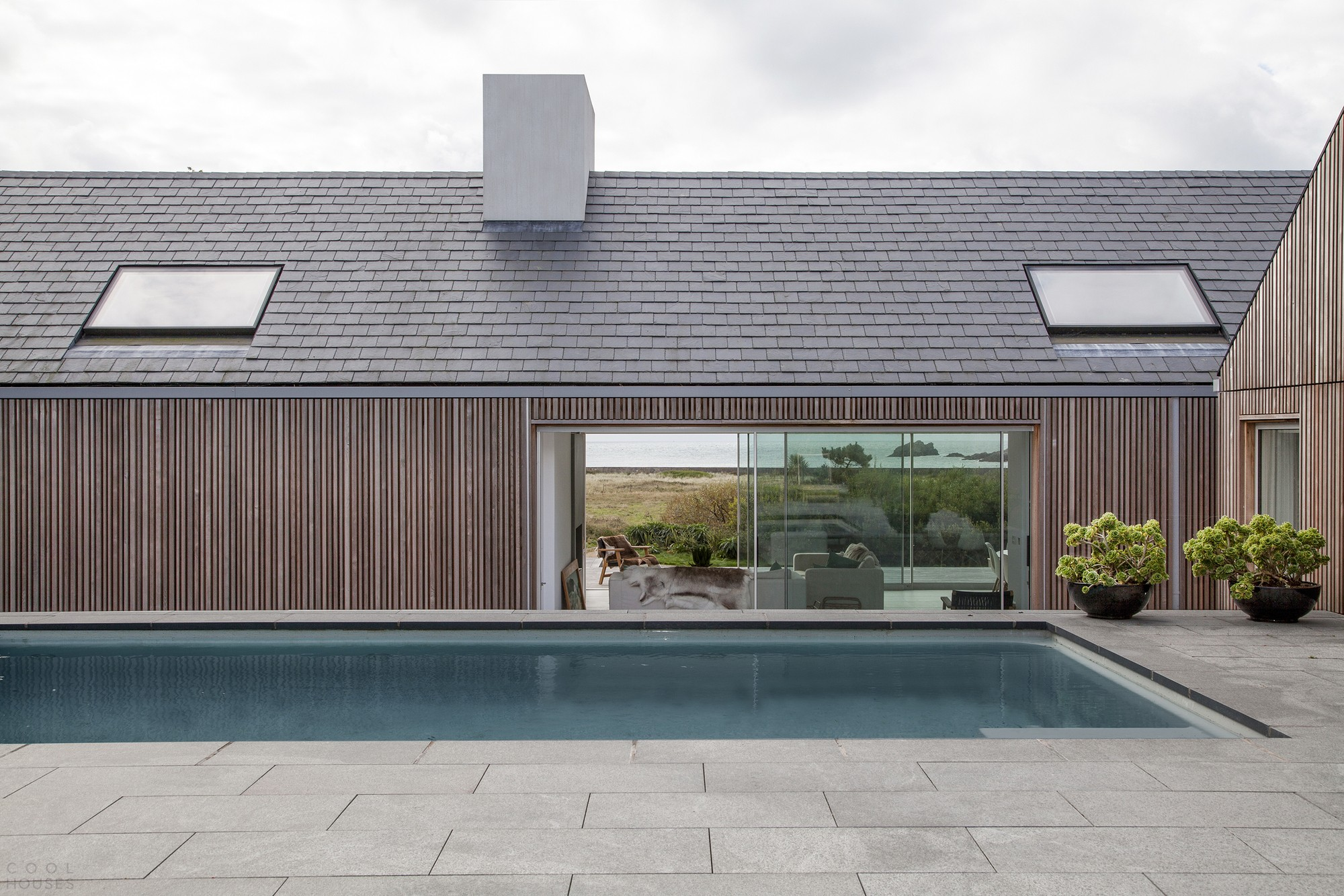 Энергоэффективный островной дом для отдыха большой семьи