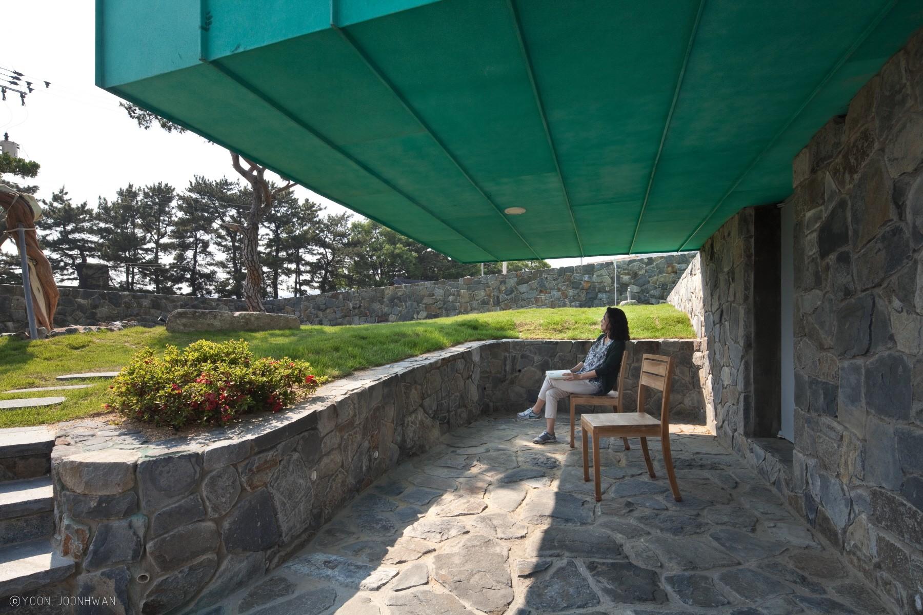 Частный дом со смотровой башней в Южной Корее