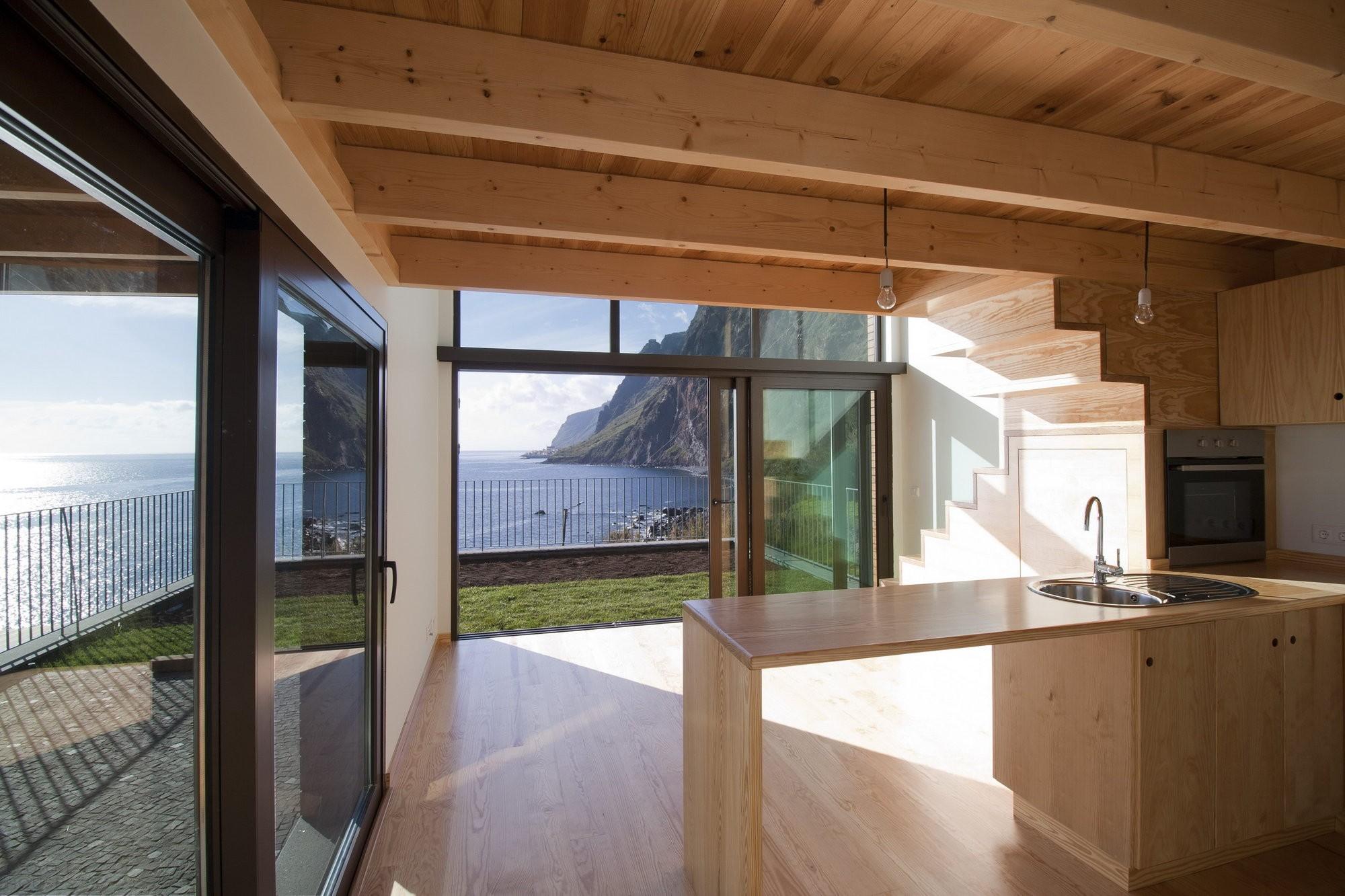 Дом на острове в Португалии
