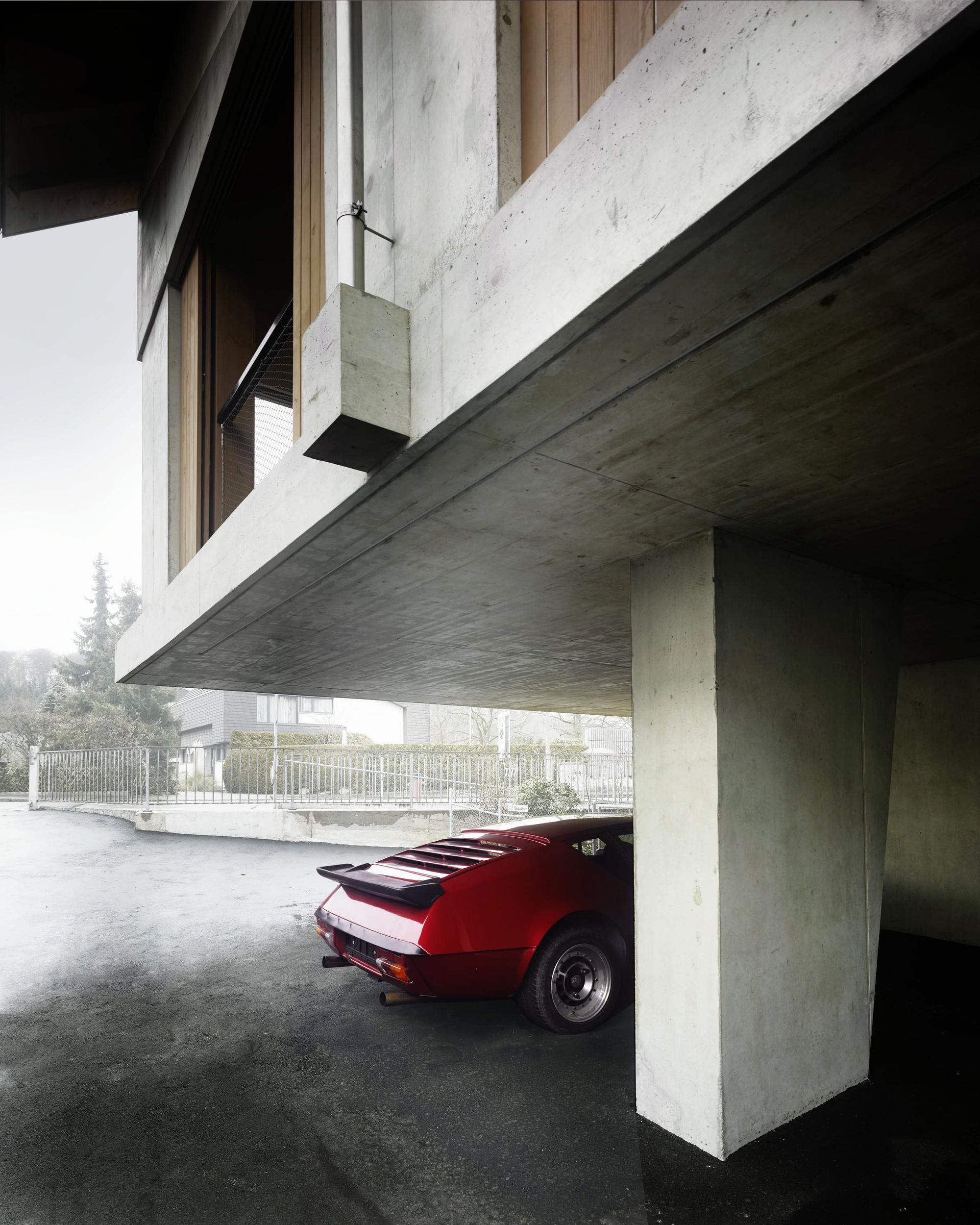 Современный трехэтажный дом в Швейцарии