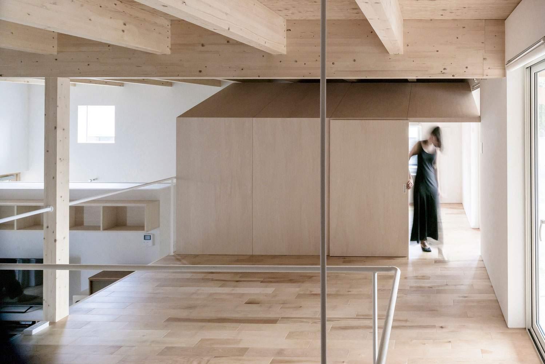 Дом с деревянным интерьером в Японии