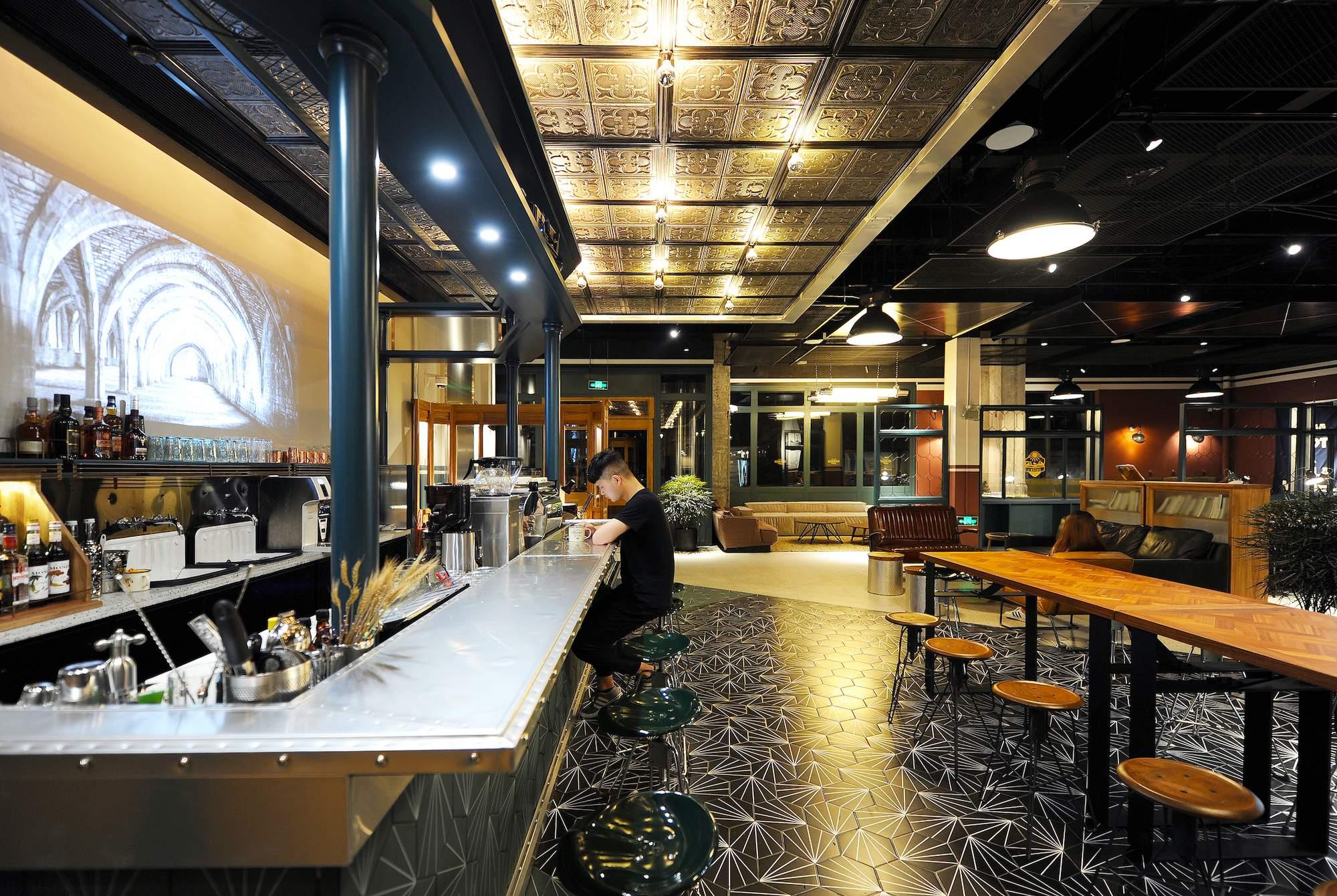 Необычный отель URSIDE Hotel & Café в Китае
