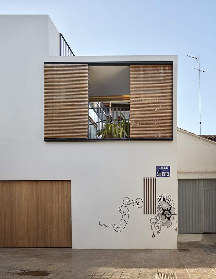 Таунхаус с зеленым внутренним двориком, Испания