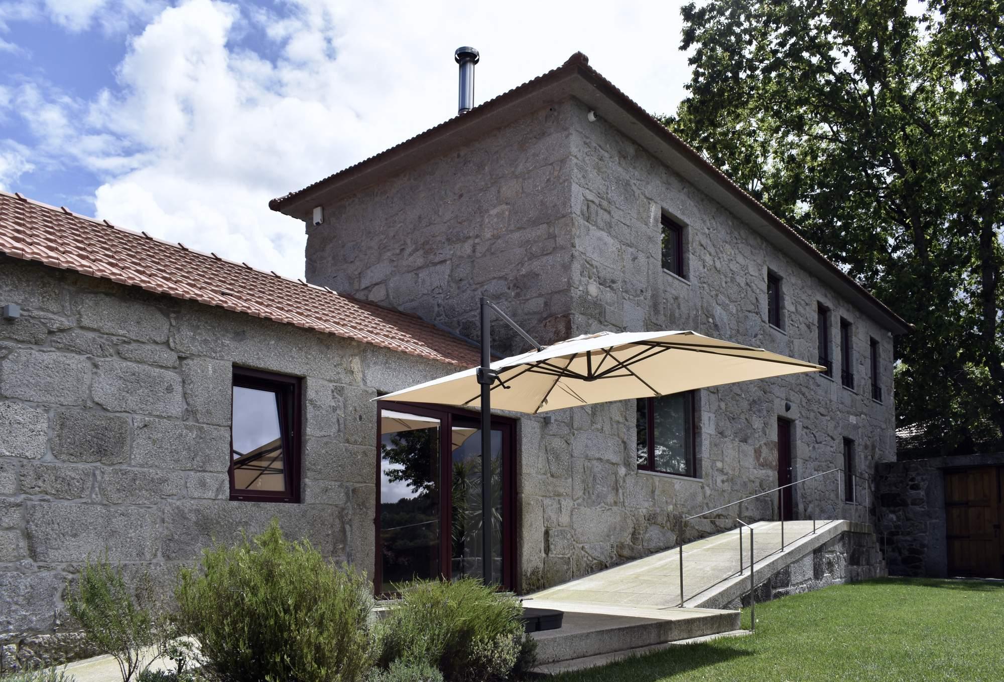 Реконструкция сельского дома 19 века, Португалия