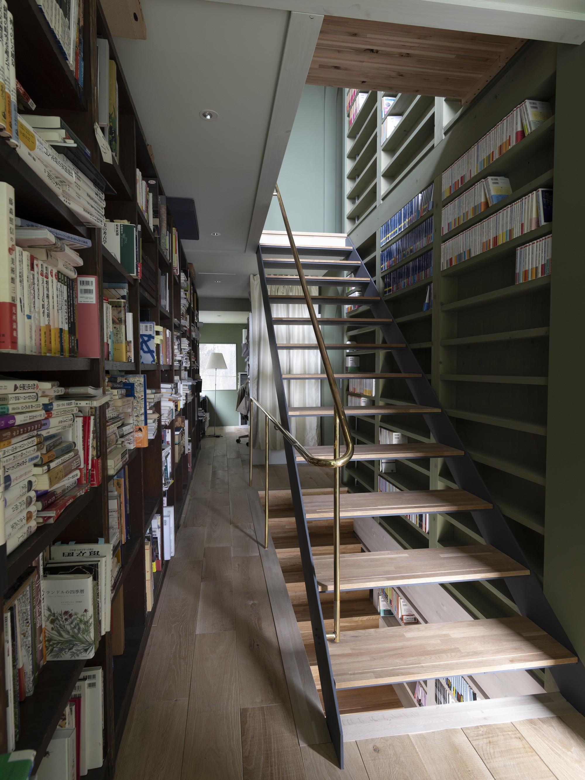 Дом-библиотека для жизни и работы