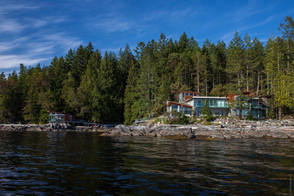 Большая загородная резиденция в Канаде