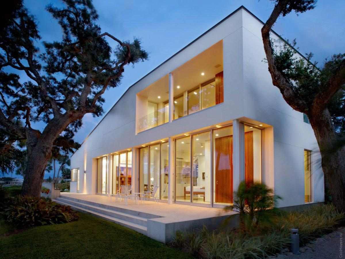 Стильный загородный дом