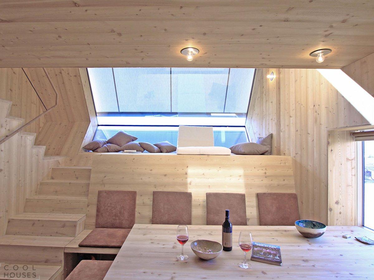 Миниатюрный домик UFOGEL для семейного отдыха