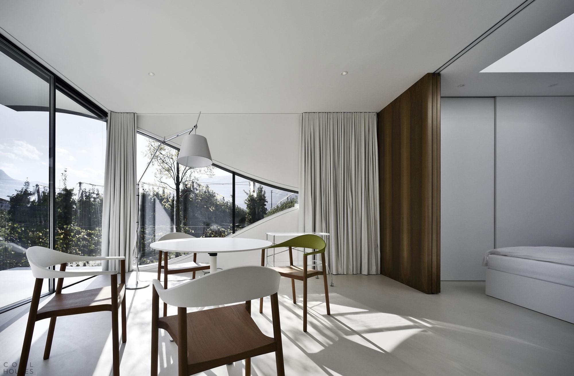 Потрясающие зеркальные дома в стиле модерн