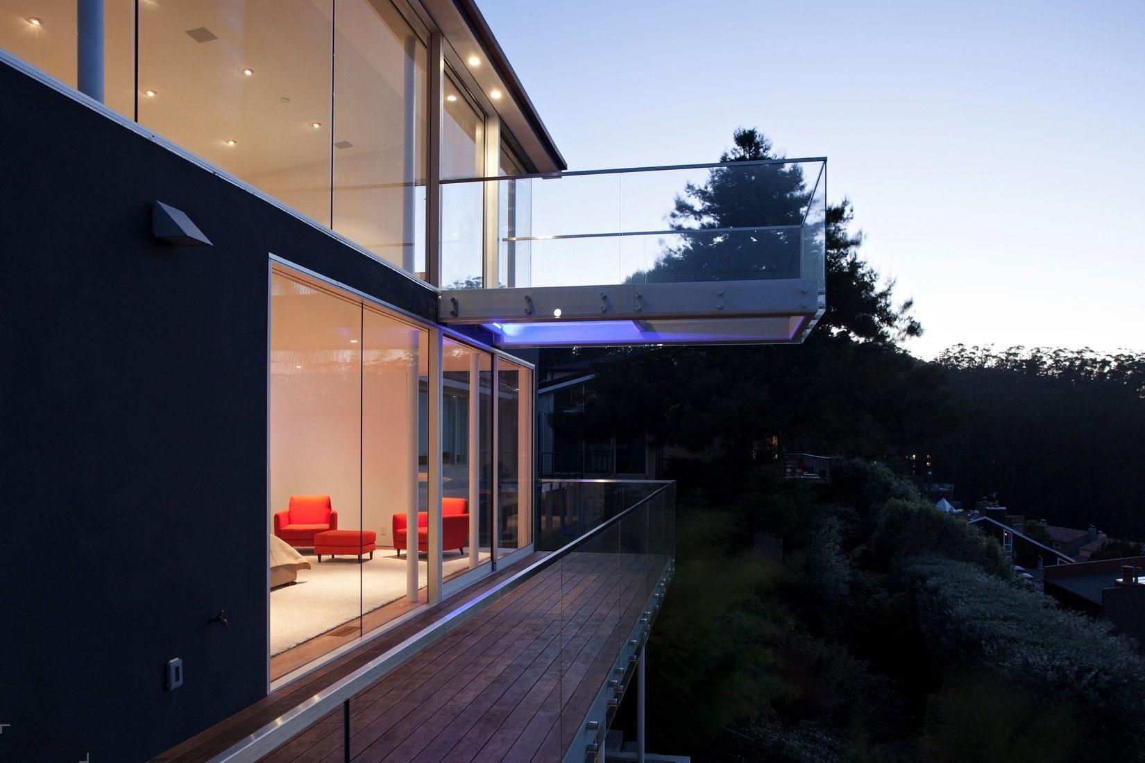 Потрясающий частный дом с захватывающим видом на город