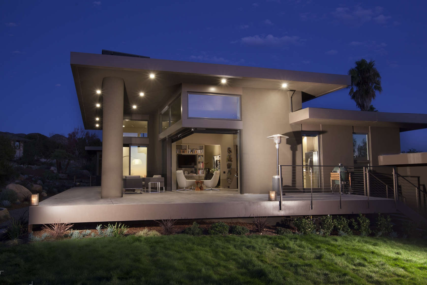 Потрясающий вид из окна дома Las Carnas в Калифорнии