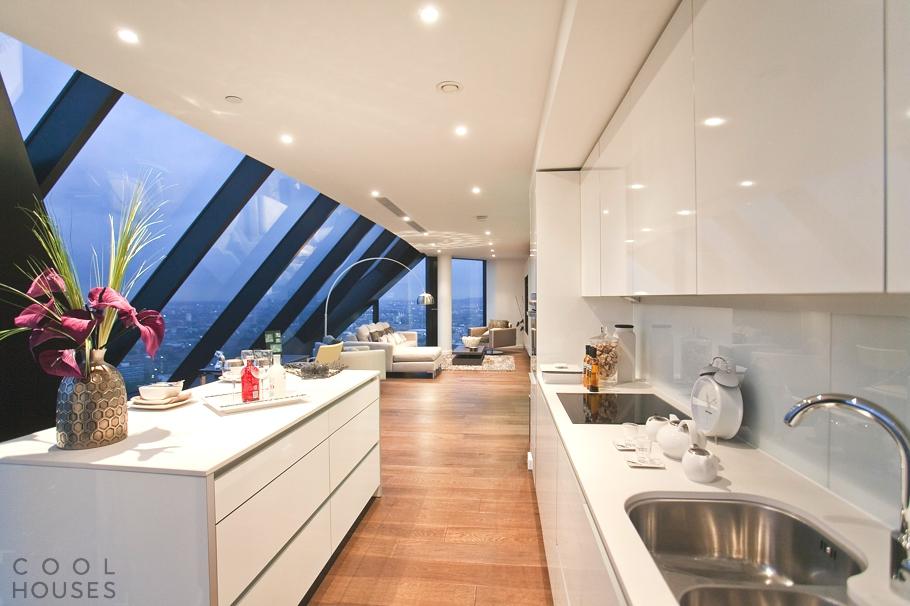 Престижный пентхаус в одном из самых высоких жилых зданий в Европе