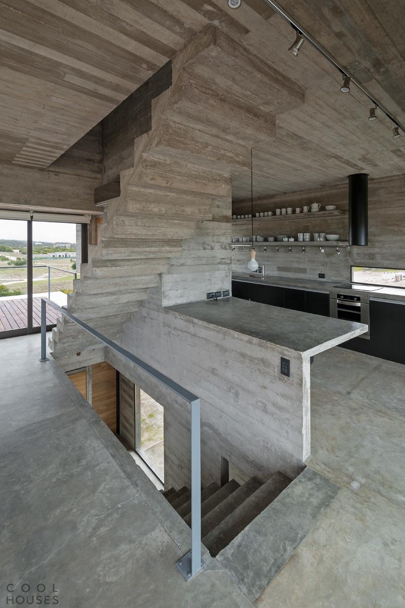 Бетонный Дом Гольф (Casa Golf) в Аргентине