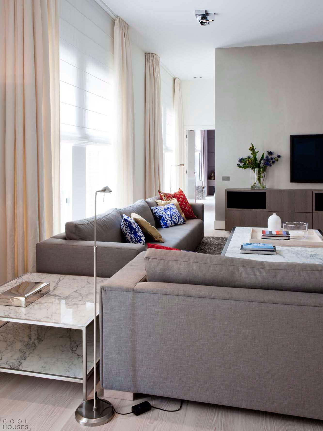 Современная двухуровневая квартира в Амстердаме, Нидерланды