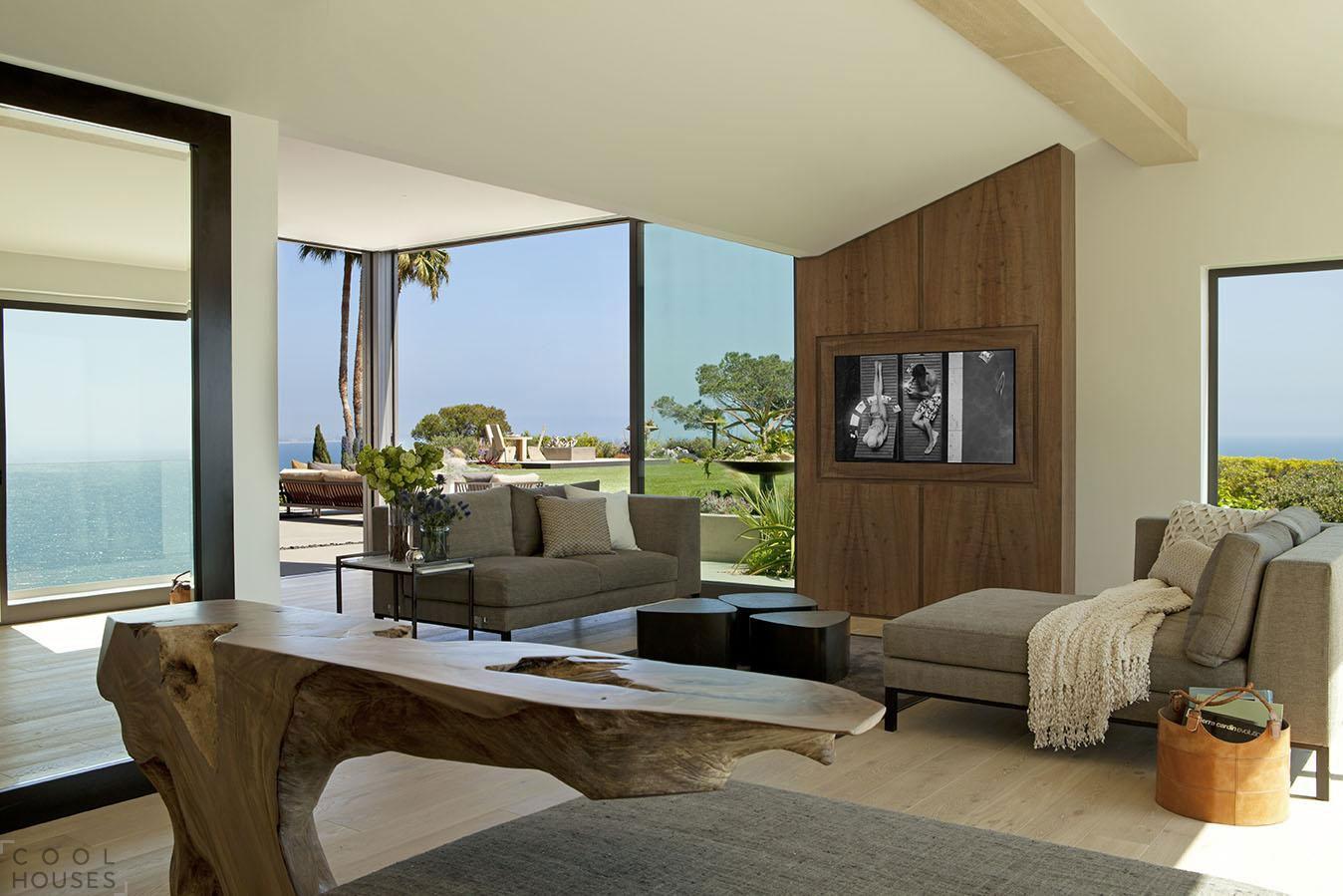 Частный дом с видом на Тихий океан
