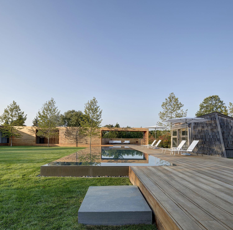 Красивый современный особняк по проекту архитектурной студии Bates Masi Architects