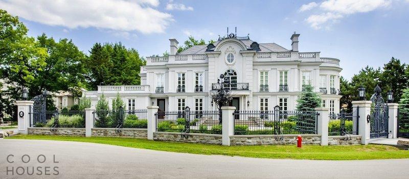 Потрясающий дом-дворец в Канаде