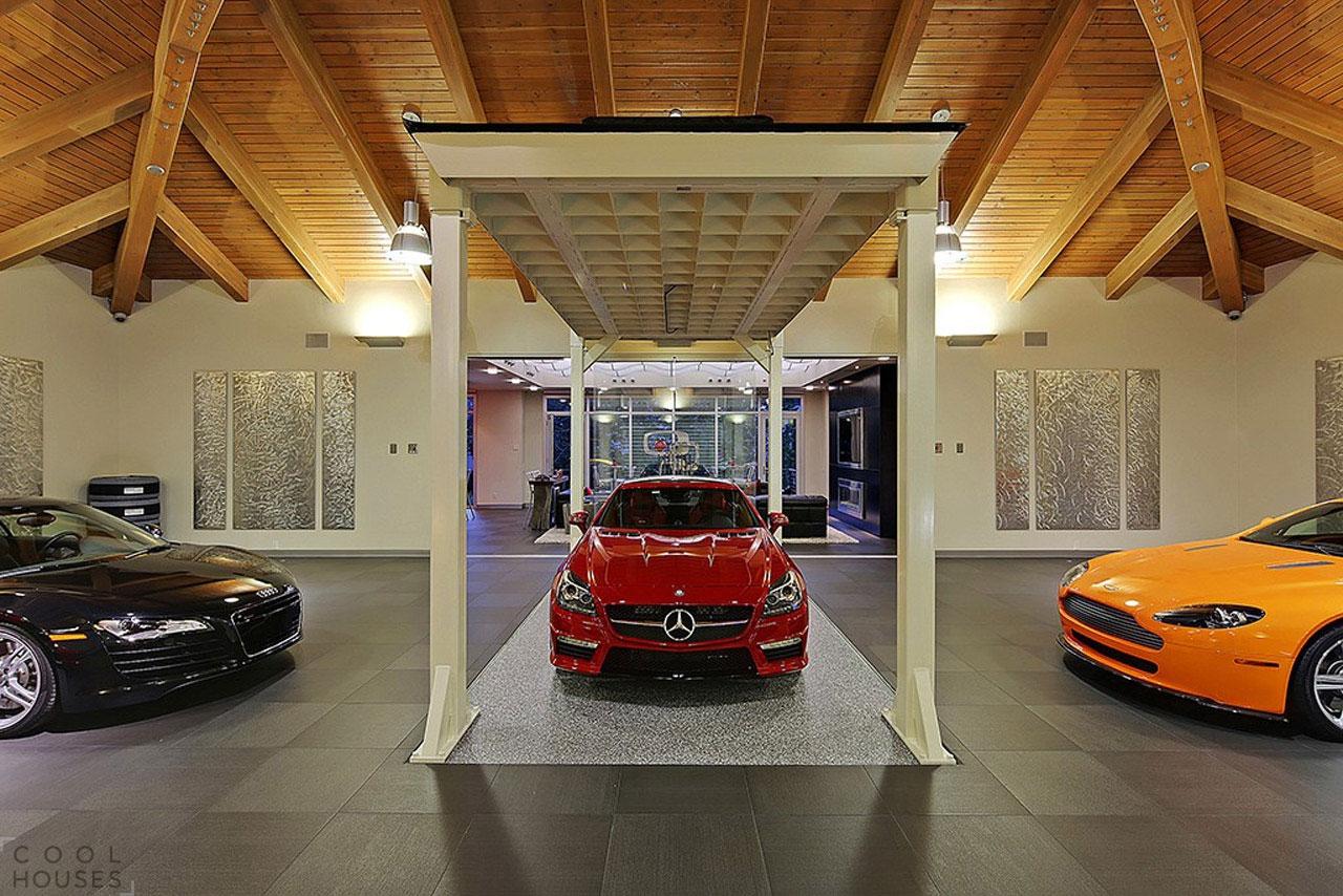 Современный дом для любителя автомобилей