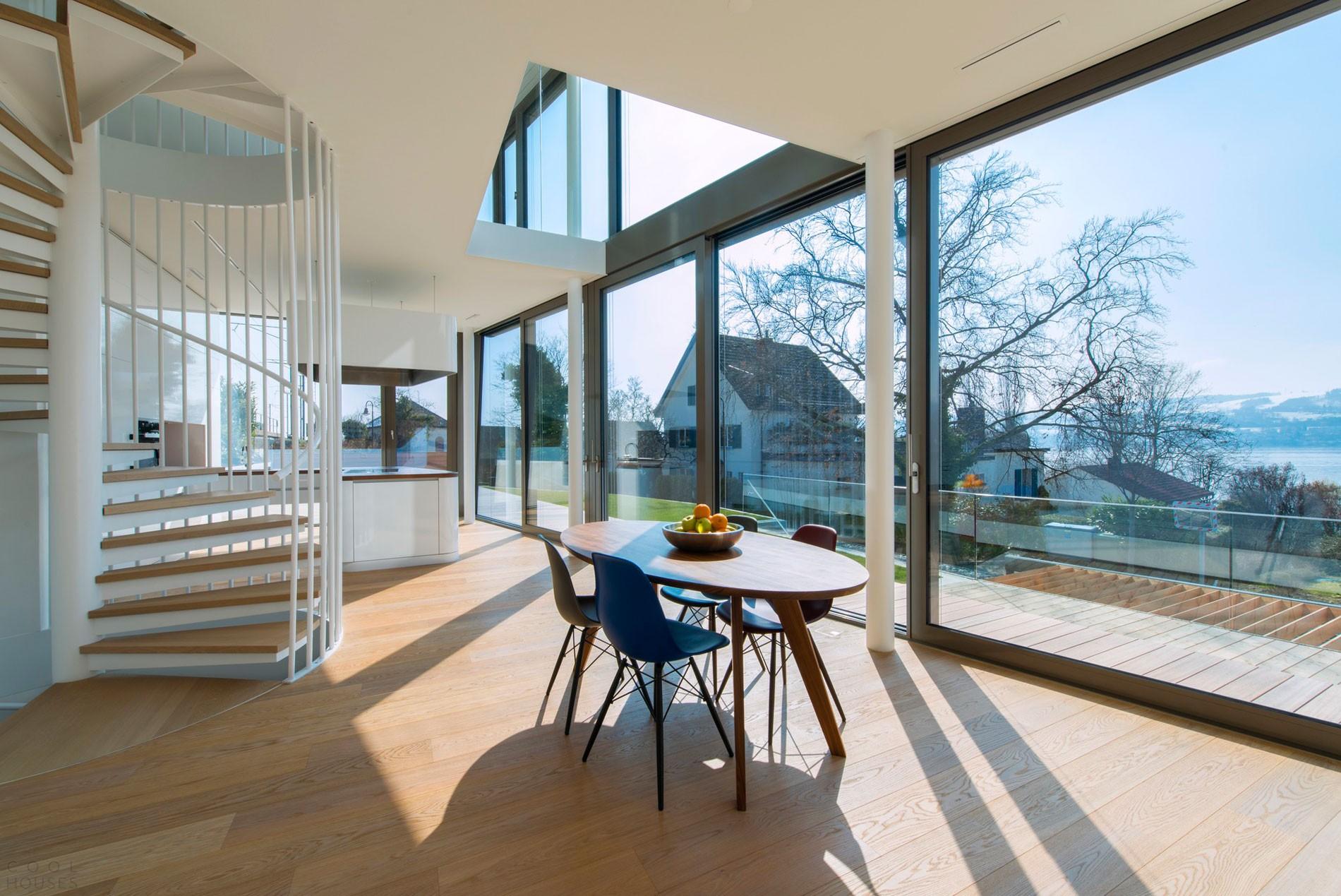 Частный дом в оригинальной художественной форме в Швейцарии