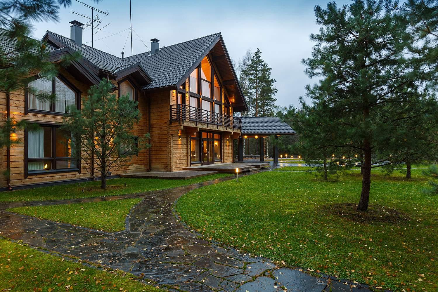 Загородный дом из бруса в сосновом лесу, Россия