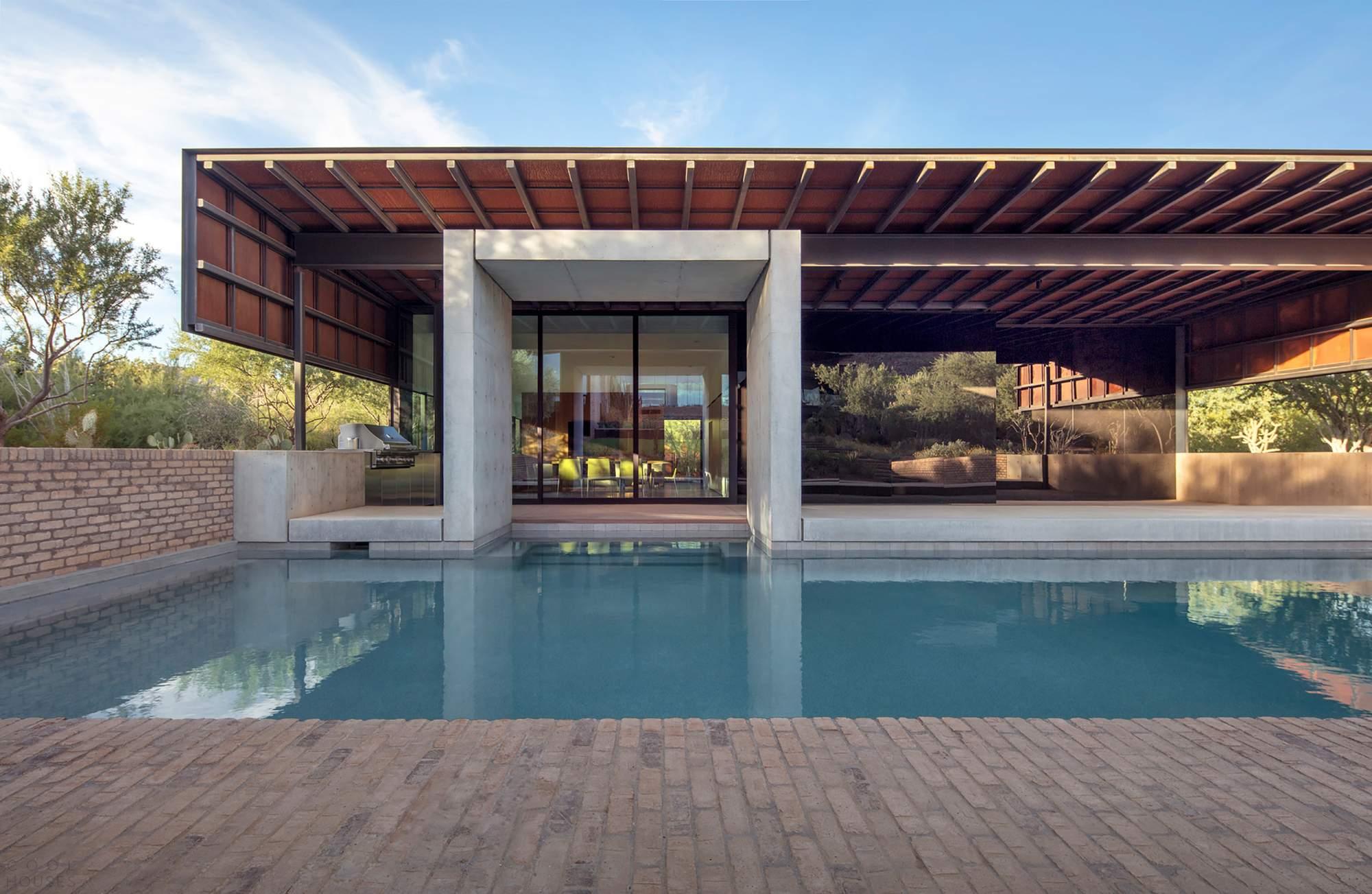 «Призрачный дом»-оазис в Райской Долине, США